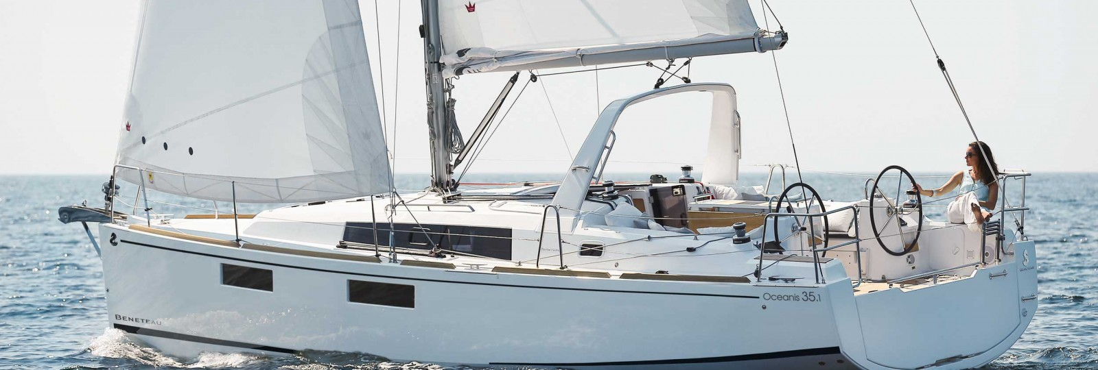 Beneteau Oceanis 35.1 running