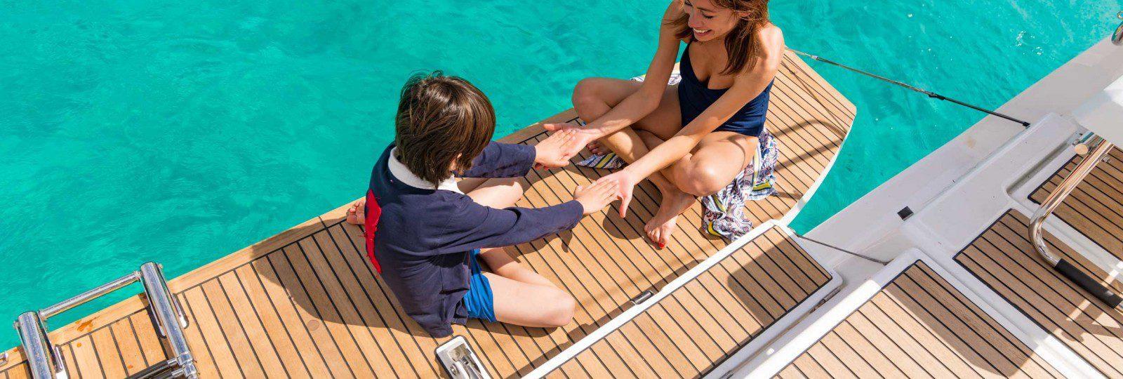 Beneteau Oceanis 41.1 bathing platform