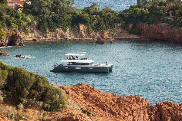 Lagoon 630 Motor Yacht at anchor