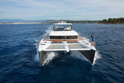 Lagoon 630 Motor Yacht aerial running