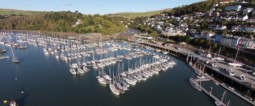 Dartmouth Marina - Dartmouth cruising Guide - Ancasta