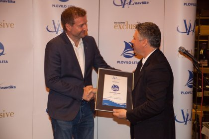 Beneteau Oceanis 30.1 award