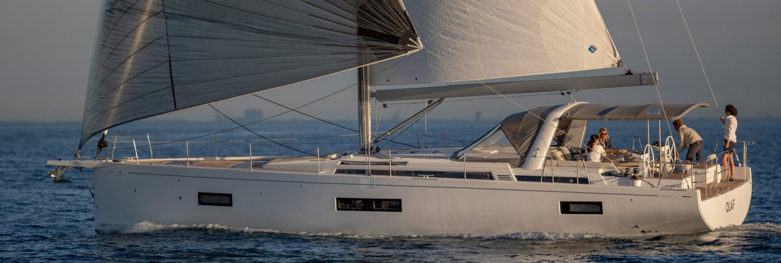 Oceanis Yacht 54 under sail